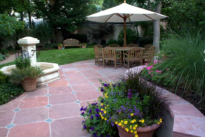 3 Great Hardscape Ideas for the Backyard