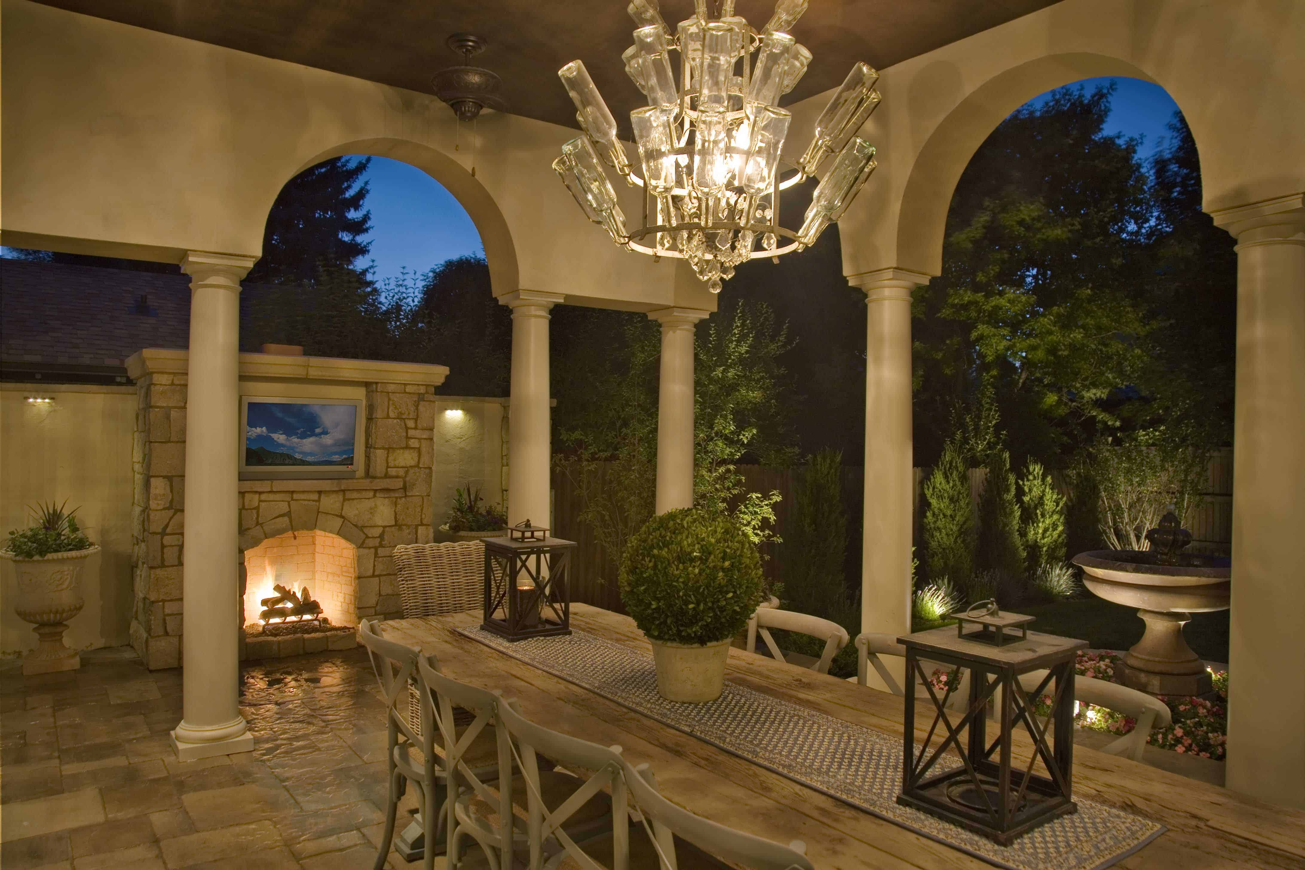 The Right Furniture Enhances Your Outdoor Living Rooms