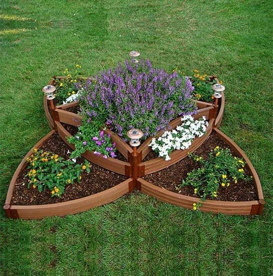 6 spectacular raised bed design ideas for spring for Backyard flower bed ideas
