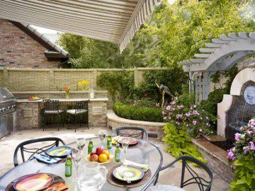 Designing Intimate Outdoor Rooms for Homes