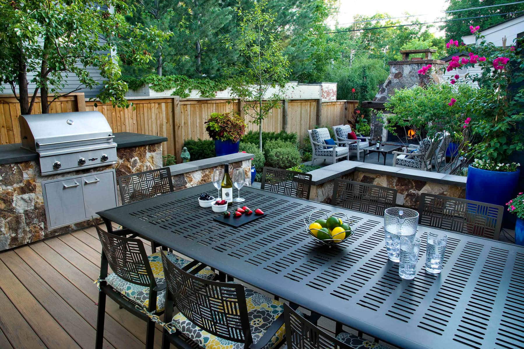 Blog Featured – Cook up some fun with an Outdoor Kitchen upgrade this year!