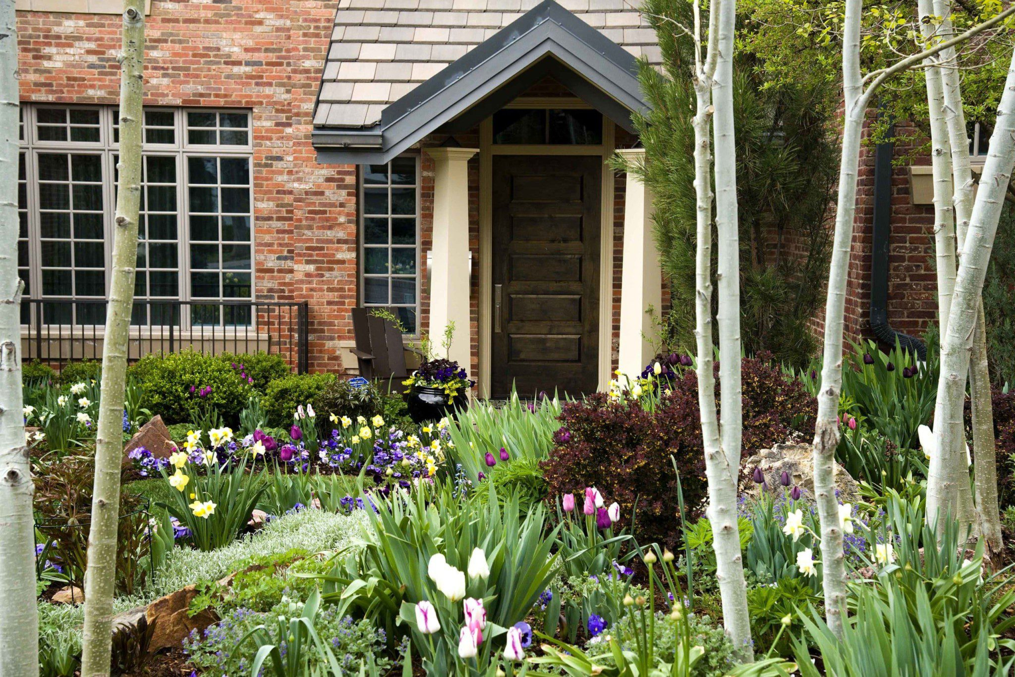 Blog Featured – Organic landscape practices yield sustainable and beautiful results.
